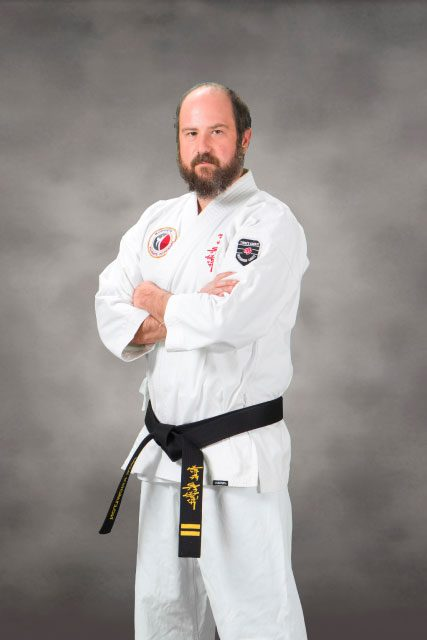 professional photo of Pete Knowlton  in uniform